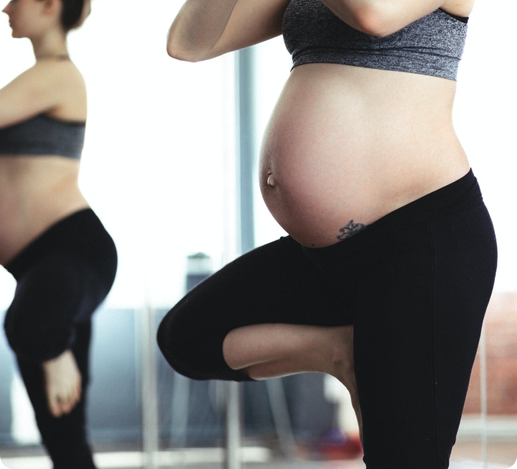 yoga-pregnant